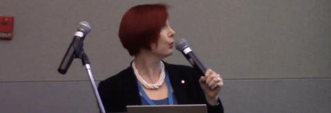 WP Fangirl Sallie Goetsch speaking at WordCamp Los Angeles 2016