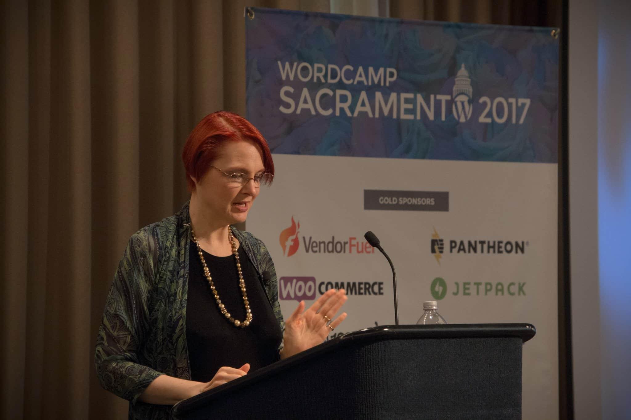 Sallie Goetsch presenting about online newsrooms at WordCamp Sacramento 2017