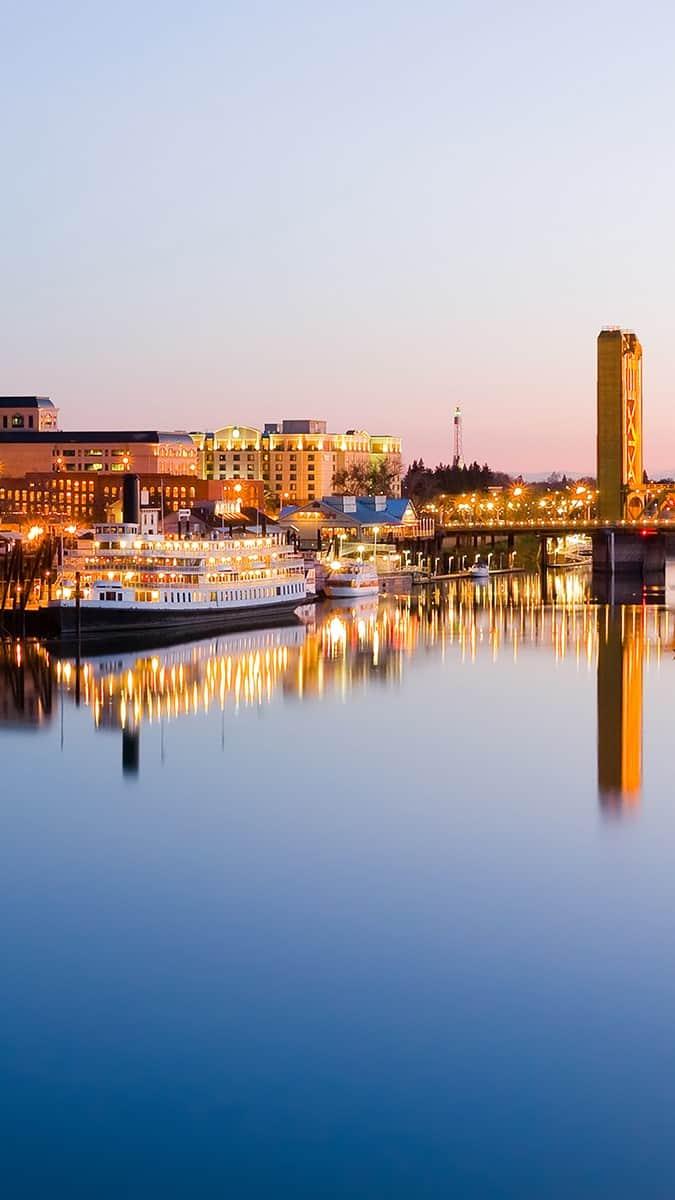 Sacramento River cruise ship and bridge